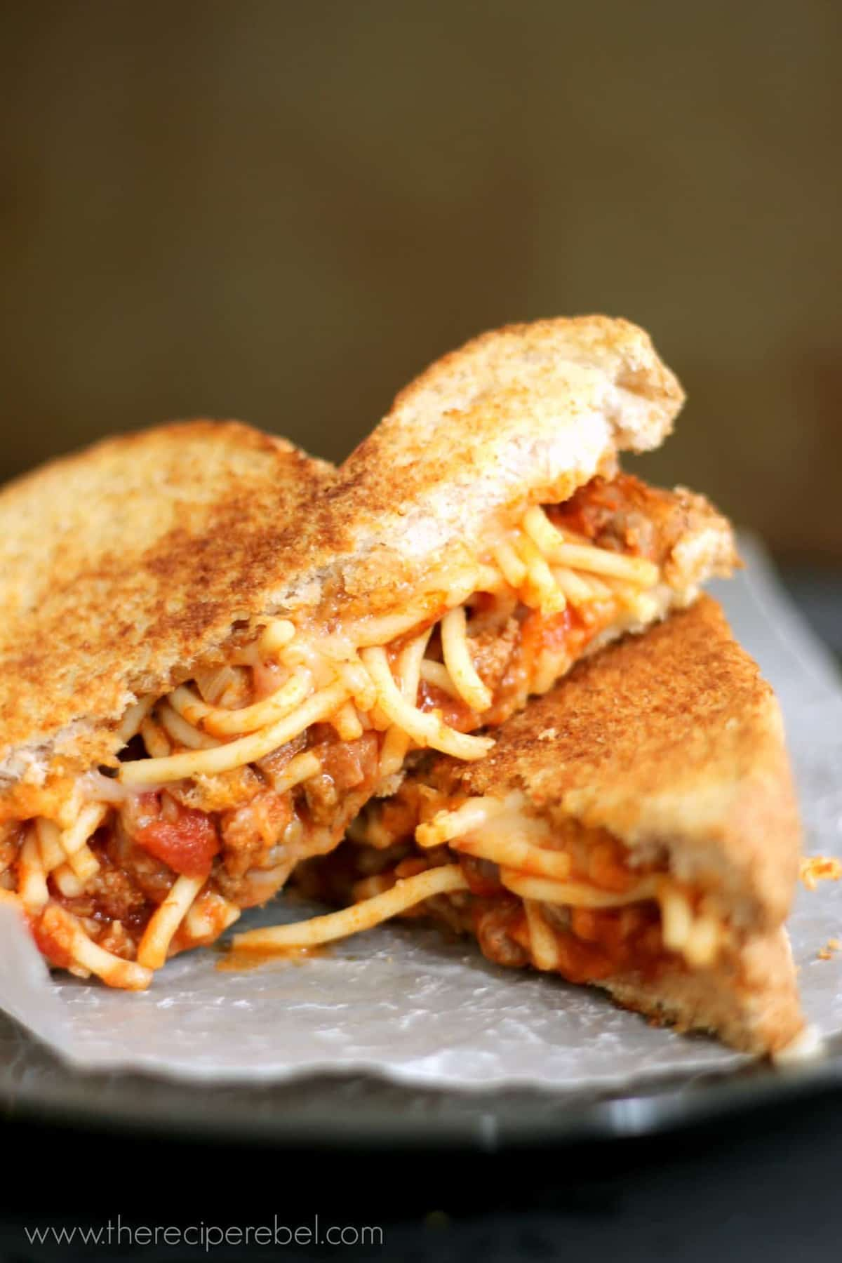 Spaghetti and Garlic Toast Grilled Cheese - The Recipe Rebel
