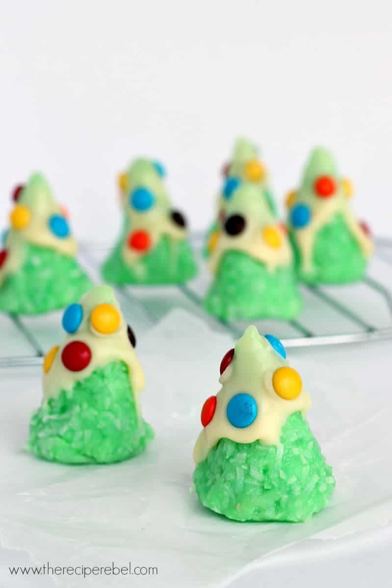 No-Bake Christmas Tree Cookies - The Recipe Rebel