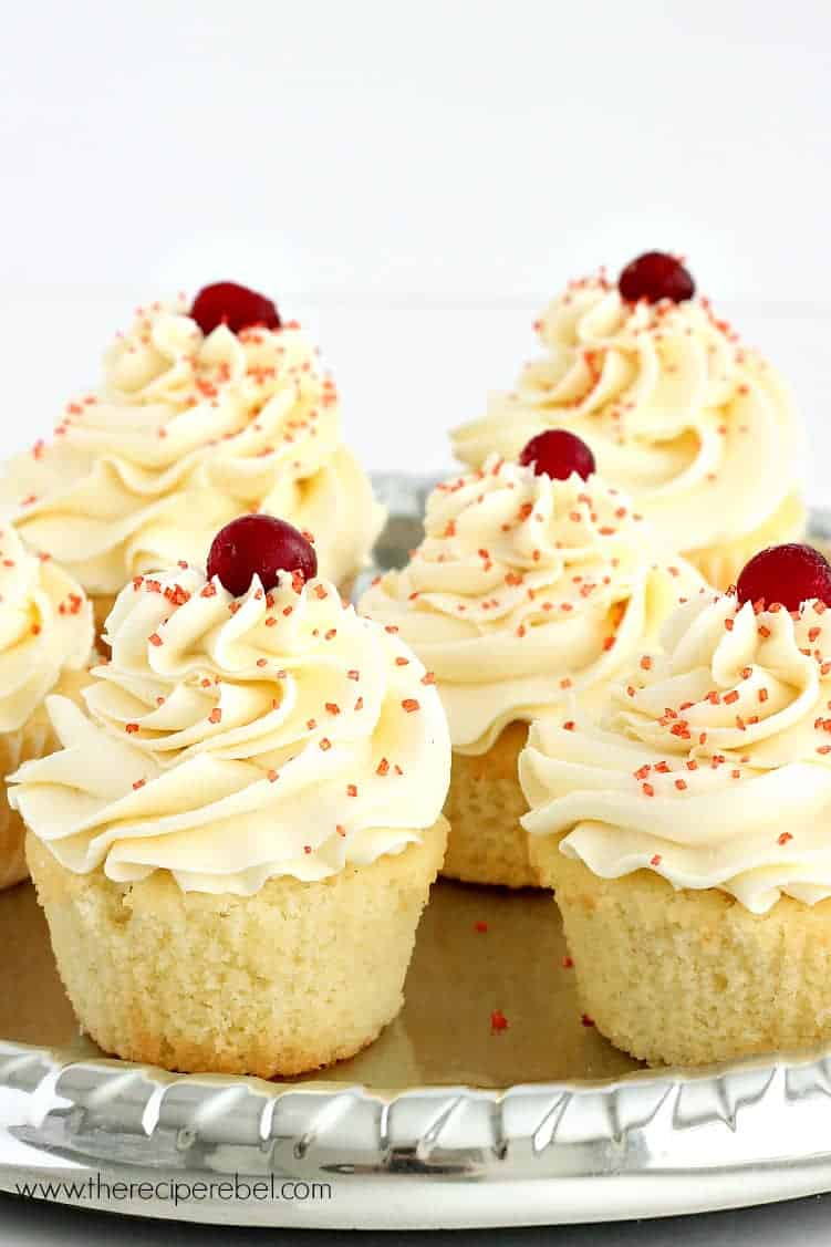 Cranberry Vanilla Cupcakes with White Chocolate Frosting ...