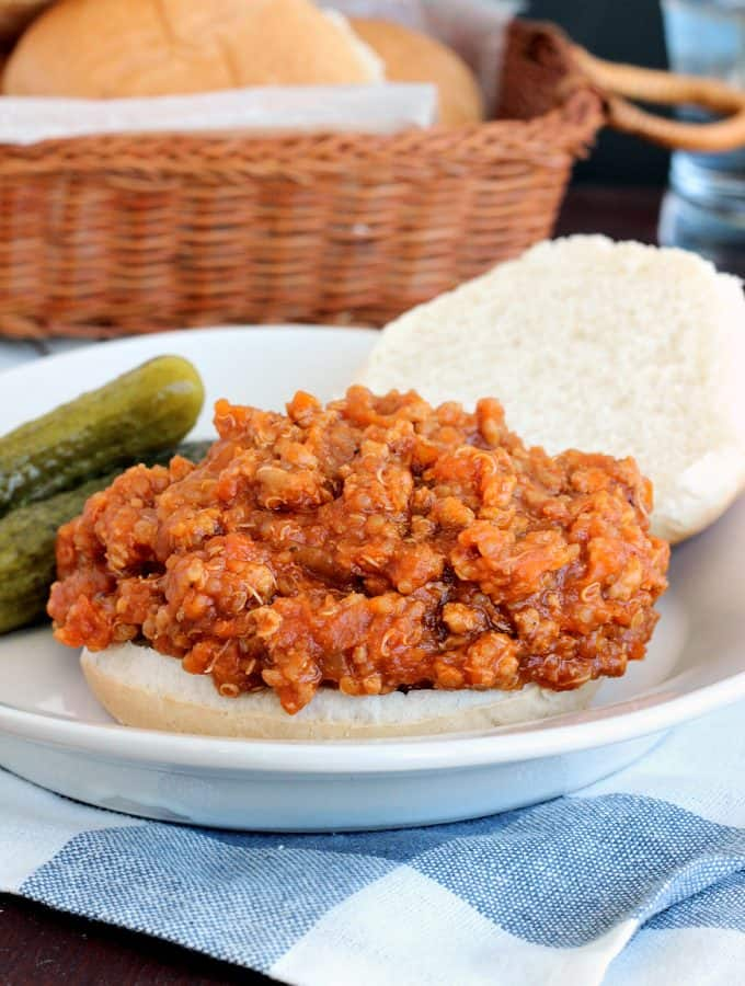 {Slow Cooker} BBQ Chicken Quinoa Sloppy Joes