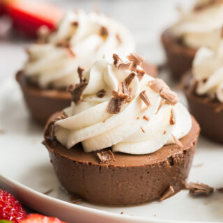 light chocolate cheesecakes close up