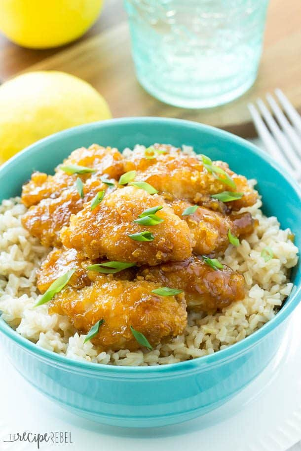 Baked Honey Lemon Chicken: Skip the takeout and go for this healthier baked Honey Lemon Chicken! So easy and such great flavor -- We're adding this to our regular rotation! www.thereciperebel.com