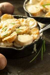 Easy Skillet Scalloped Potatoes au Gratin