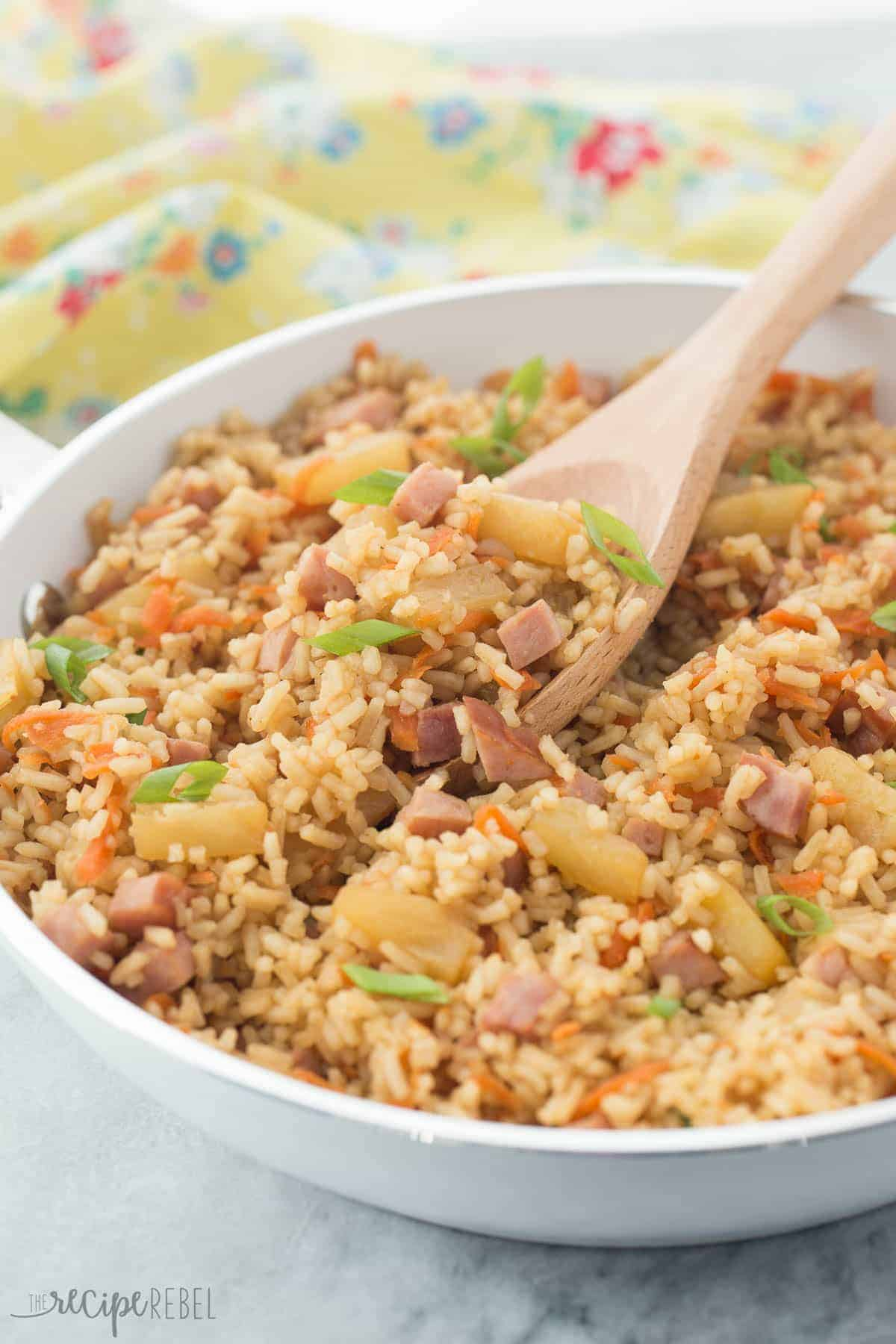 This 30 Minute Ham and Pineapple Rice is a fun and easy one pot meal for busy weeknights! Perfect for those Hawaiian lovers :) It's also great for pairing with Easter ham!