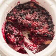 slow cooker berry cobbler in crockpot