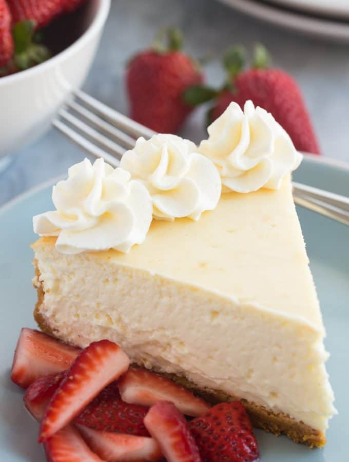 The Best Vanilla Cheesecake Recipe + VIDEO