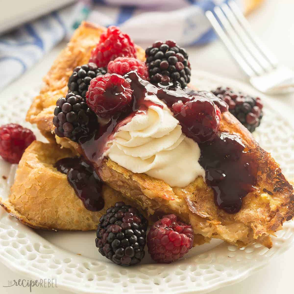 This Baked Lemon French Toast is so much easier than flipping French toast on the stove! It's perfect for holiday gatherings, brunch potlucks, and Christmas gatherings! Top with fresh berries and whipped cream or yogurt for a special morning treat.