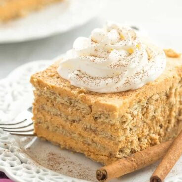 This Pumpkin Pie Icebox Cake is an easy, no bake dessert for Thanksgiving! It has only a few ingredients and is easy to make ahead.