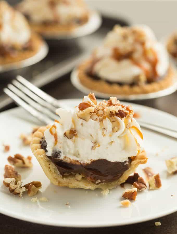 Mini Turtle Pudding Pies