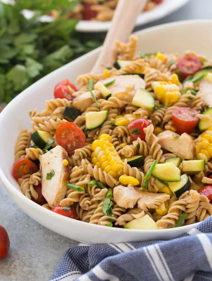 BBQ Chicken Pasta Salad with Tomatoes, Zucchini & Corn + VIDEO