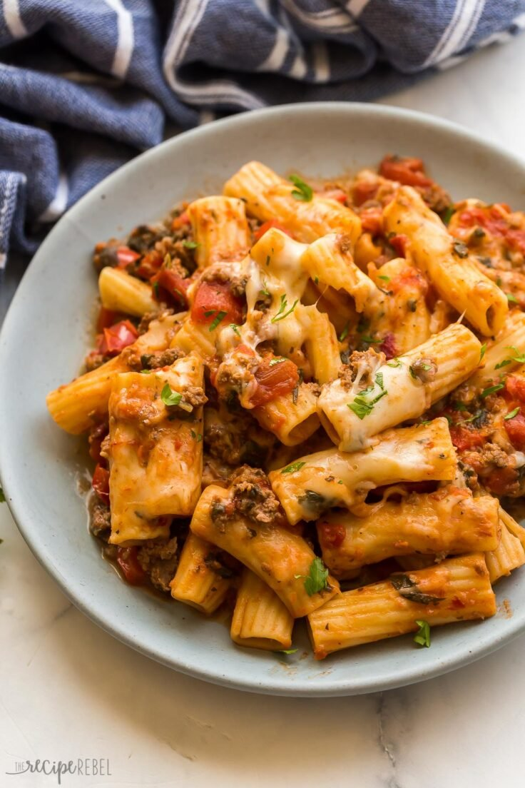 instant pot baked ziti on plate