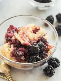 blackberry cobbler in a glass bowl