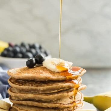 banana oat pancakes with syrup