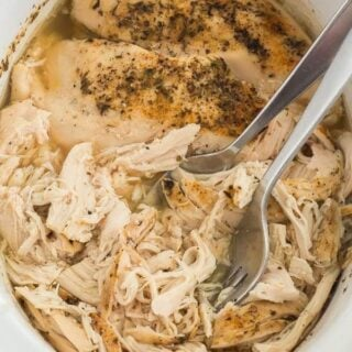 Crockpot Shredded Chicken (Slow Cooker)