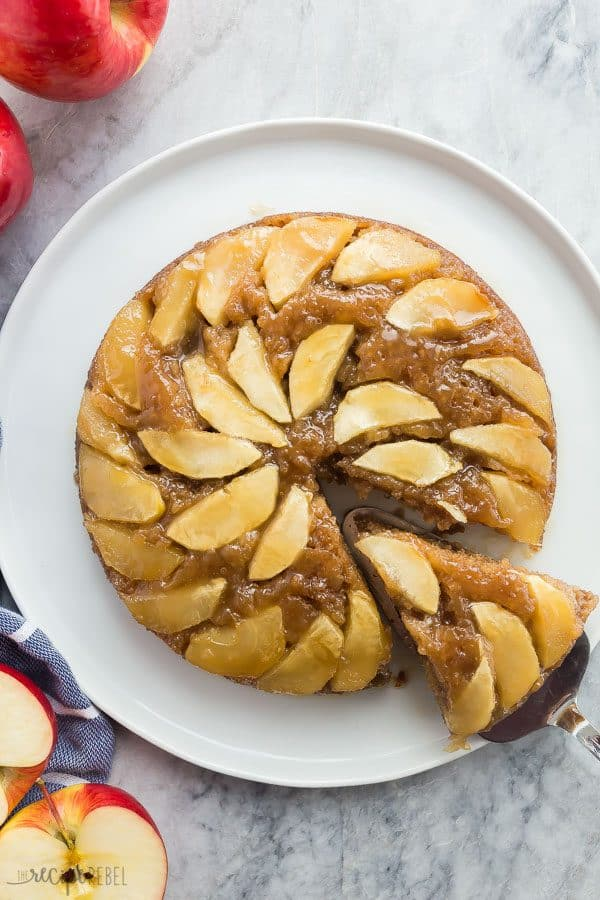 apple upside down cake overhead