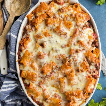 rigatoni pasta bake overhead