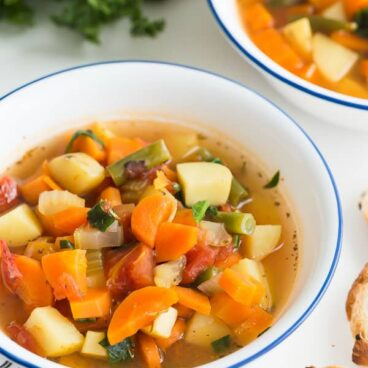 instant pot vegetable soup close up