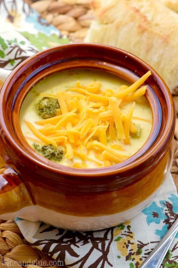 broccoli cheddar crockpot soup