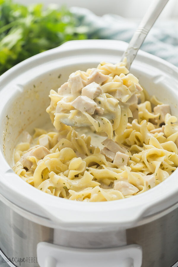 crockpot chicken and noodles in slow cooker