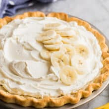 banana cream pie whole in pan