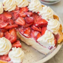 strawberry cream cheese pie in pan