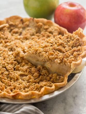 apple crumble pie slice