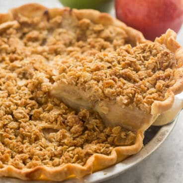 apple crumble pie slice