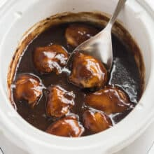 crockpot chicken thighs in slow cooker