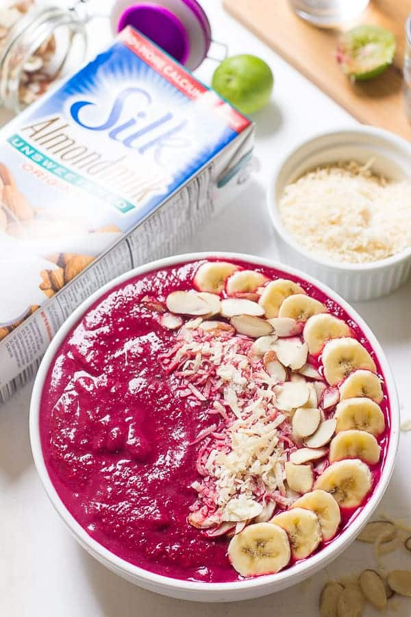 Jessica in the Kitchen Banana Berry Beet Smoothie Bowl