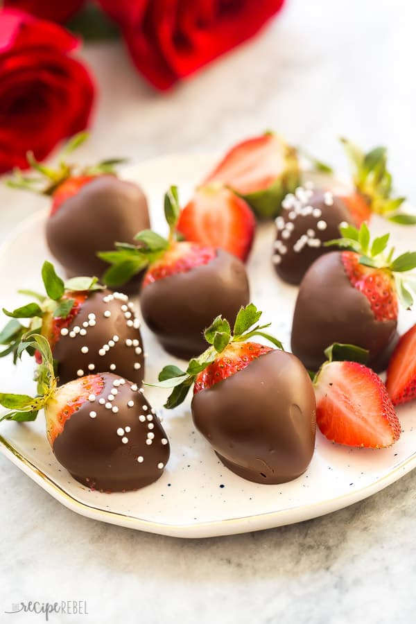 Easy Chocolate Covered Strawberries The Recipe Rebel