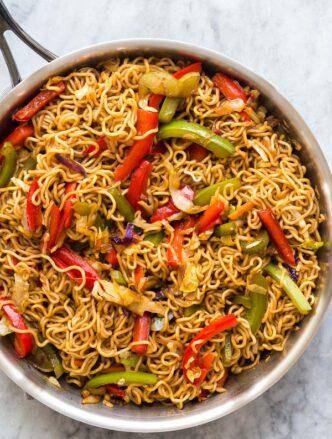 vegetable lo mein in pan
