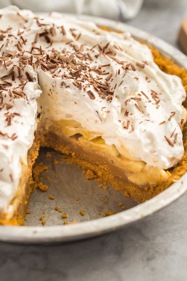 close up image of inside of banoffee pie in pie plate