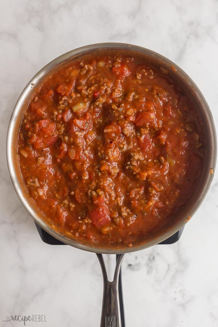 finished spaghetti sauce in skillet